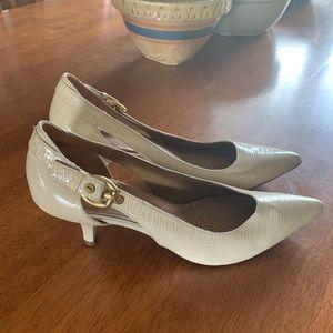 Circa Joan & David Luxe Series Heels 8 1/2M